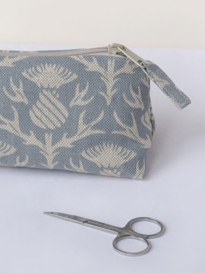 small thistle washbag crop_small